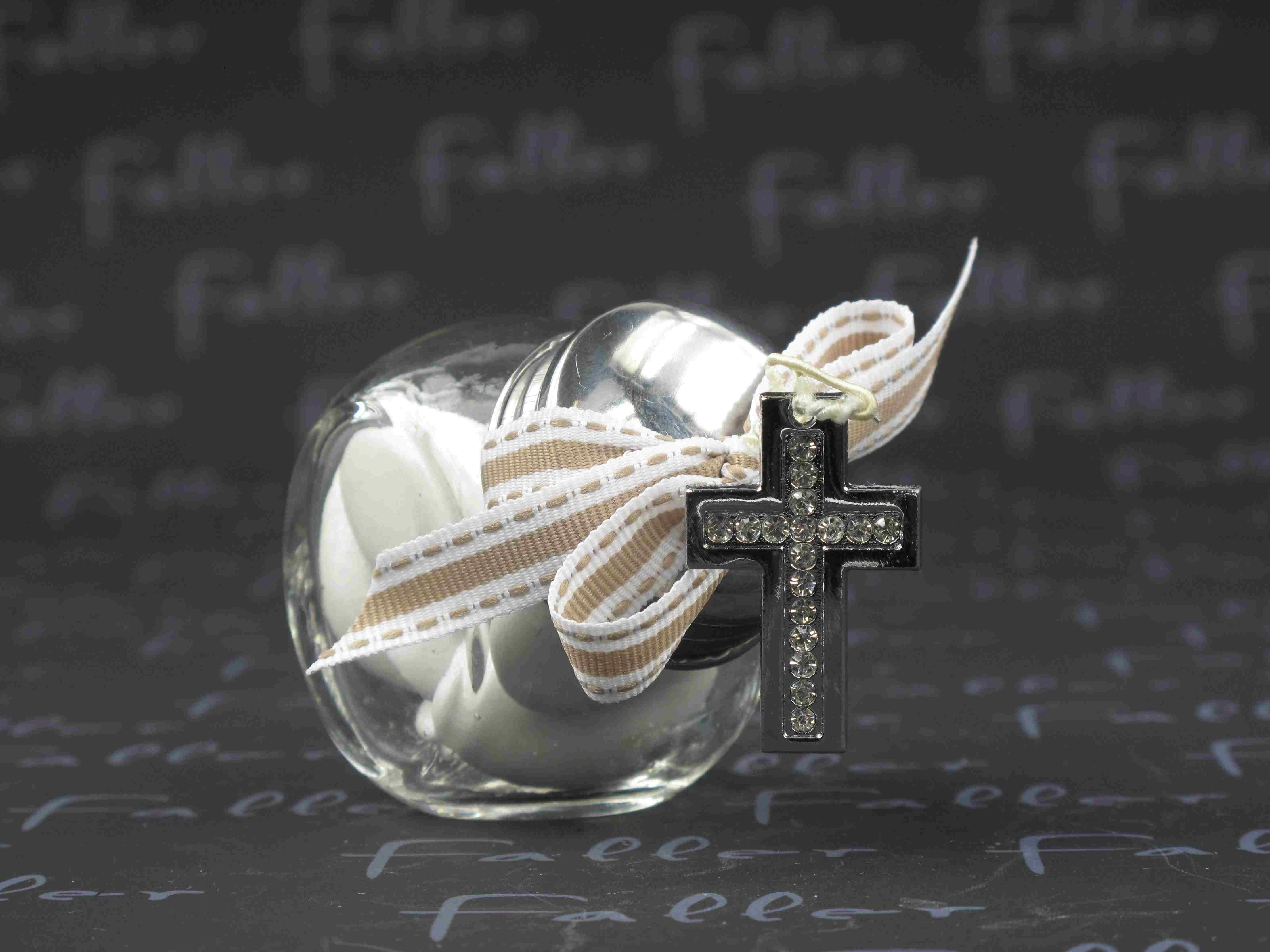 dragees dans pot a bonbon et croix strass de communion. Black Bedroom Furniture Sets. Home Design Ideas
