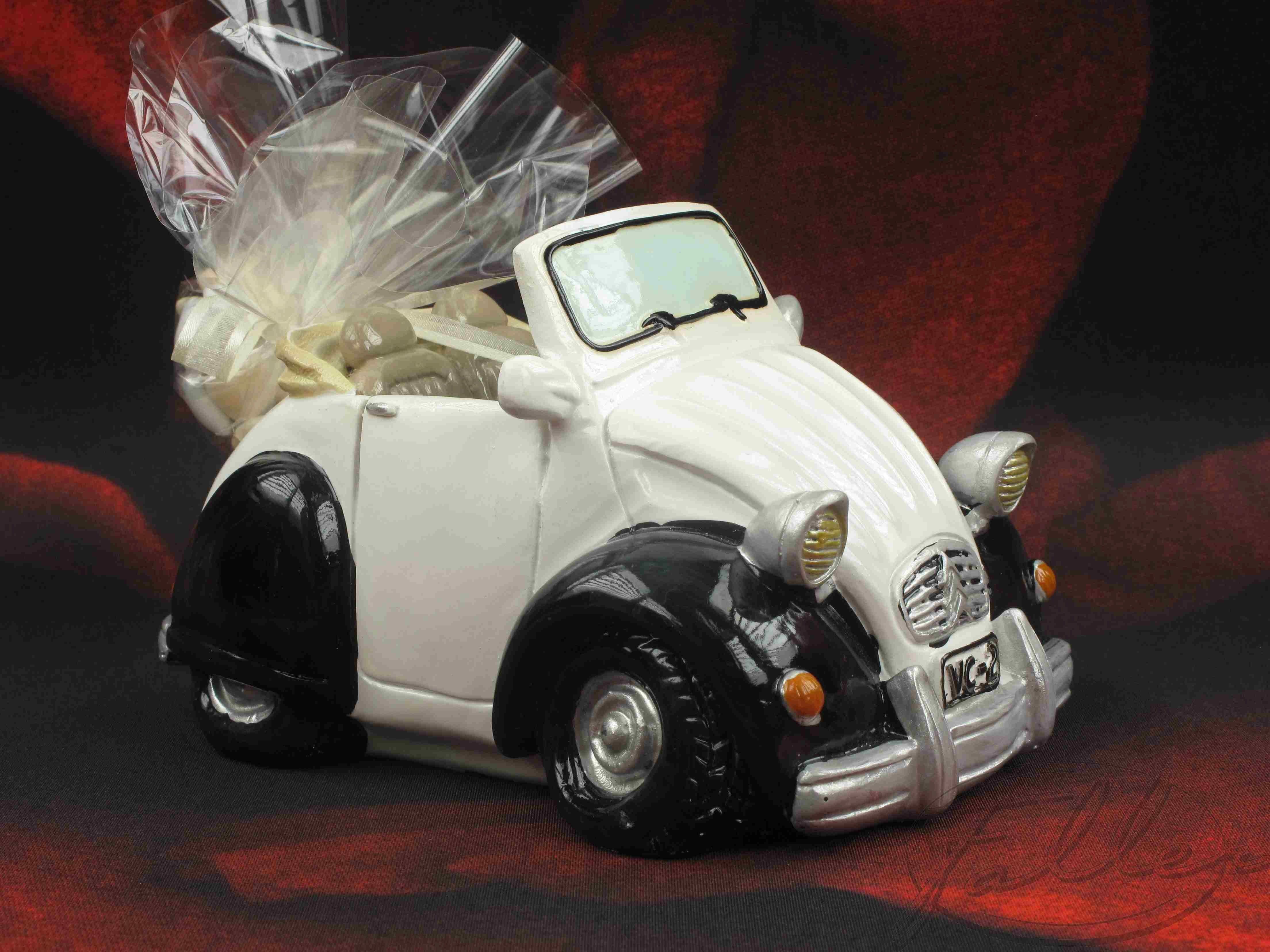 Voiture tirelire 2cv avec dragees pour mariage for Decoration 2cv mariage